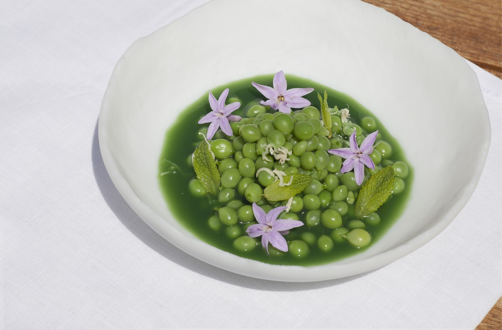 "Hotel - ""Tears"" peas cooked in its juice with horse radish and mint 2"