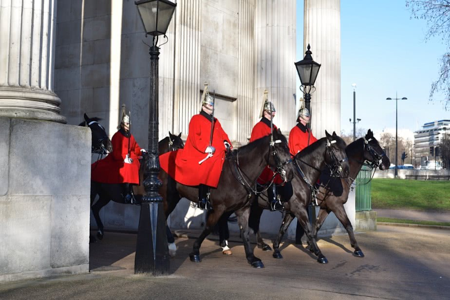 Guards and The Wellington Arch by Sue Lowry - Park Life
